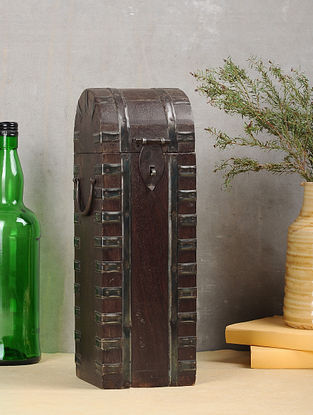 Vintage Brown Handcrafted Wood Bottle Case (L:4.5in, W:4.5in, H:13.7in)