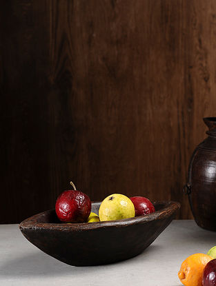 Vintage Hand Carved Wood Bowl (L:16.6in, W:8.5in, H:4.5in )