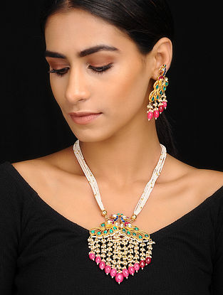 Multicolored Gold Tone Kundan Inspired Kundan Necklace With A Pair Of Earrings(Set of 2)