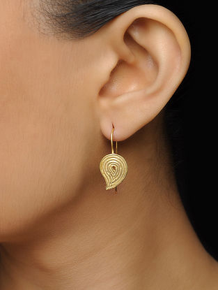 Classic Gold-plated Silver Earrings with Paisley Design