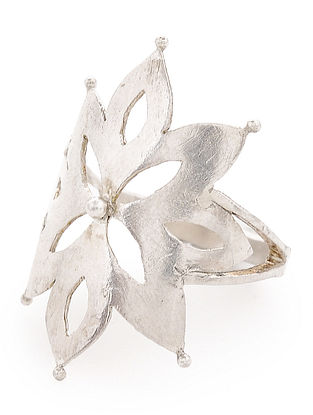 Classic Silver Ring with Floral Design (Ring Size - 7)