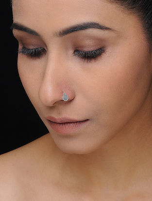 Classic Silver Nose Pin with Paisley Design