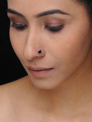 Black Enameled Silver Nose Pin with Paisley Design