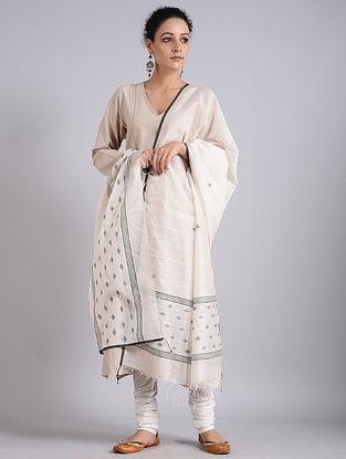 Off-White Handwoven Sambalpuri Ikat Silk Dupatta