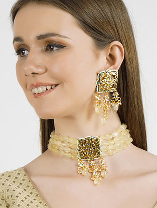 Cream Gold Tone Kundan Necklace with Earrings