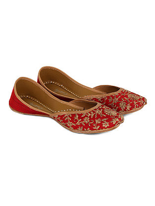 Red-Gold Handcrafted Dupion Silk and Leather Juttis with Dori Jaal Work