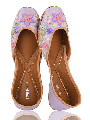 Lilac Hand-Embroidered Dupion Silk and Leather Juttis with Threadwork