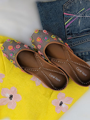 Multicolored Hand Embroidered Genuine Leather Juttis