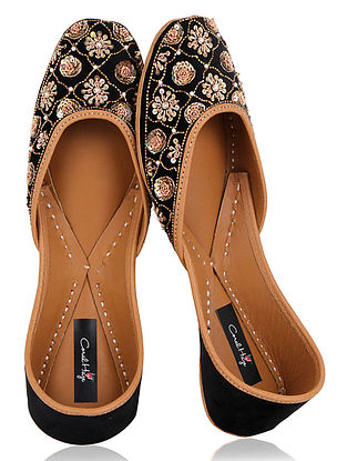 Black Zardozi Embroidered Velvet Juttis