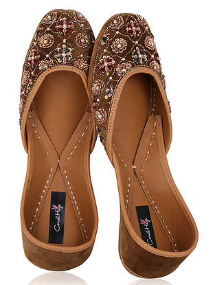 Golden Zardozi Embroidered Velvet Juttis