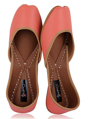 Peach Handcrafted Leather Juttis