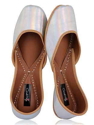 Silver Handcrafted Leather Juttis