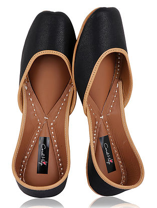 Black Handcrafted Leather Juttis