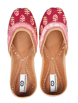 Red Pink Handcrafted Ajrakh Leather Juttis