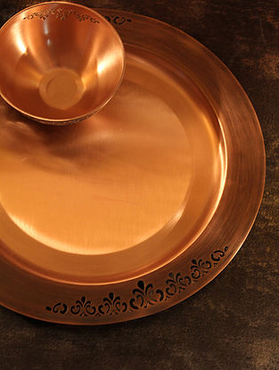 Jaipuri Handcrafted Copper Sirohi Platter (Dia:12.8in, H:0.8in)