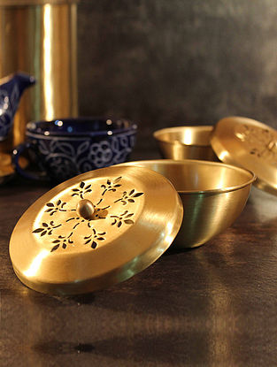 Bela Handcrafted Brass Serving Bowl (L:4.1in, W:4.1in, H:2.6in)