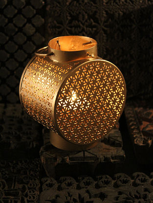 Satpura Handcrafted Iron Table Tea Light Holder (L:3.9in, W:3.1in, H:5.9in)