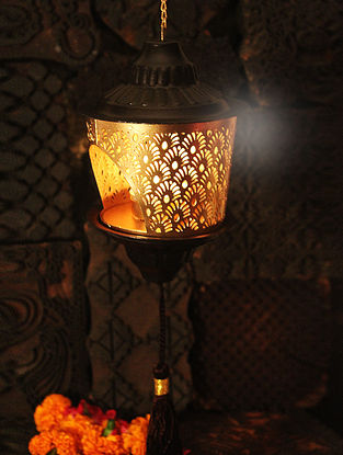 Champa Handcrafted Iron Hanging Tea Light Holder (L:3.9in, W:3.9in, H:6.2in)