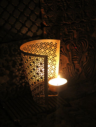Jaipuri Chowk Handcrafted Iron Wall Tea Light Holder (L:3.9in, W:3.9in, H:4.7in)