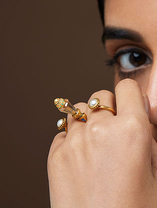 AMRAPALI-Baroque Seal Ring Made with Swarovski Crystals & pearls