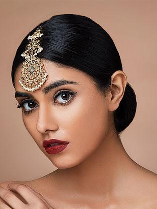 ZARIIN-Miss To Mrs Ethnic Effervescence Maang Teeka Made with Swarovski Crystals & pearls