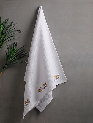 White Embroidered Cotton Bath Towel (60in x 30in)