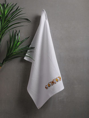 White Embroidered Cotton Hand Towels (Set of 2) (25.5in x 17.5in)
