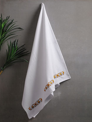 White Embroidered Cotton Bath Towel (62in x 30in)