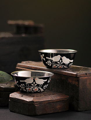 Black-White Hand-painted Stainless Steel Bowls (Set of 2) (4.5in x 4.5in)