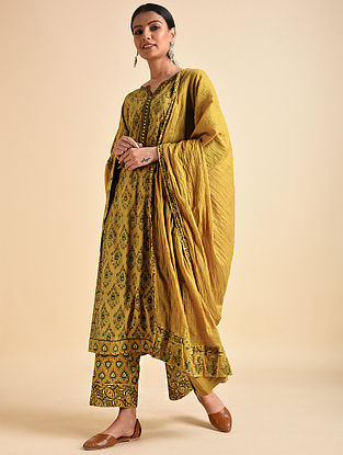 Mustard Cotton Mul Dupatta with Ajrakh and Gota Details