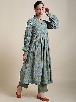 Blue Block Printed Cotton Kurta with Cuff Sleeves