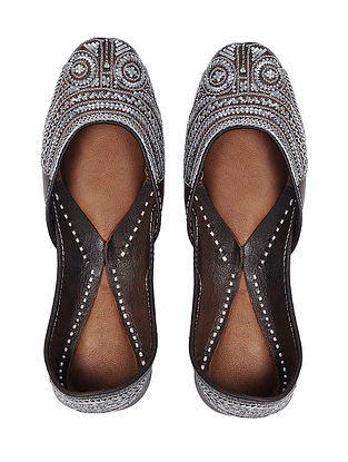 Silver-Brown Handcrafted Leather Juttis