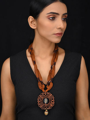 Brown Black Gold Tone Wood Jadau Necklace