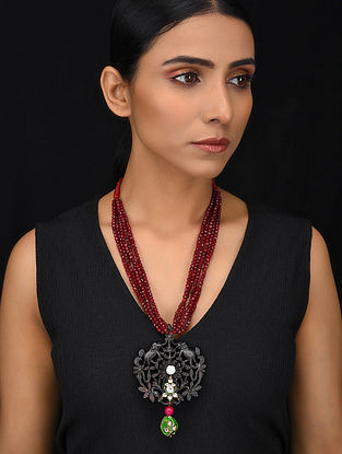Maroon Black Gold Tone Wood Jadau Necklace