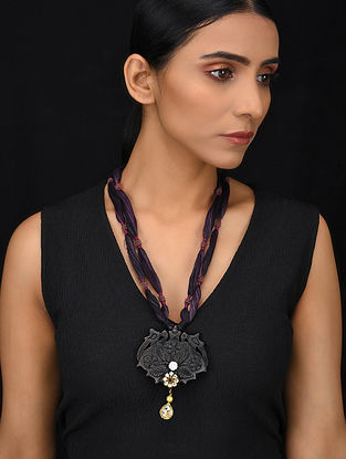 Purple Black Gold Tone Wood Jadau Necklace