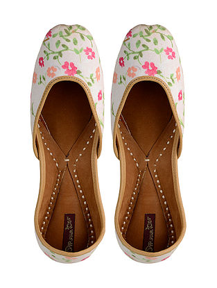 White-Pink Printed Leather Jutti