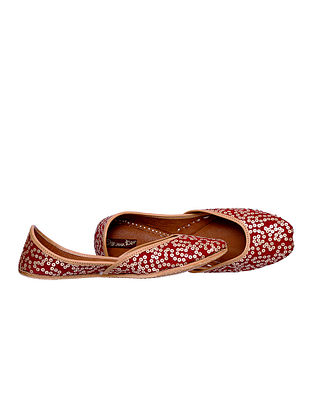 Red-Gold Embroidered Leather Juttis