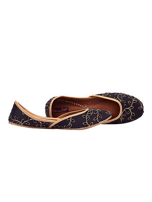 Black-Gold Embroidered Leather Juttis