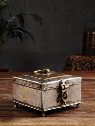 Vintage Brass Pandan Box (L - 5.6in, W - 5in, H - 3.5in)