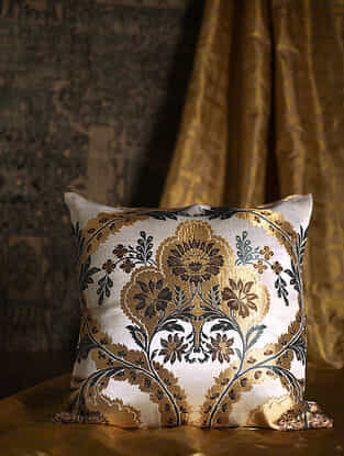 Garden of the East Golden Silk Cushion Cover (20in x 20in)