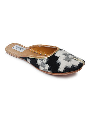 Black Handcrafted Ikat Cotton and Leather Mojaris