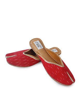 Red Handcrafted Ikat Cotton and Leather Mojaris