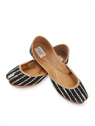 Black Handcrafted Bagru-Printed Cotton and Leather Juttis