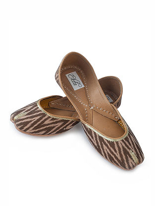 Brown Handcrafted Ikat Cotton and Leather Juttis