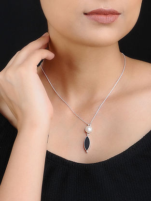 Silver Tone Necklace with Black Onyx and Pearls