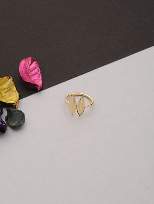 Gold Tone Handcrafted Ring (Ring Size: 7)