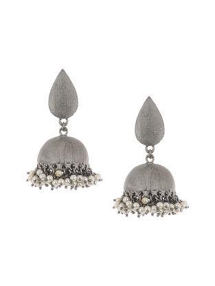 Kundan Silver Tone Jhumki Earrings with Pearls