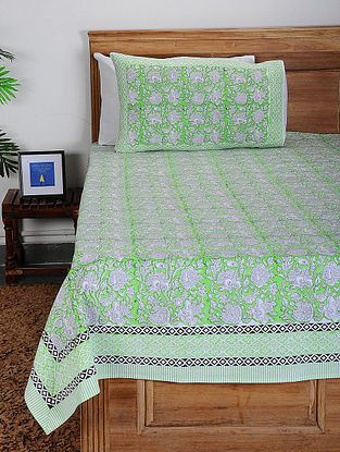 Green-White Block-printed Cotton Double Bed Cover with Pillow Covers (Set of 3)