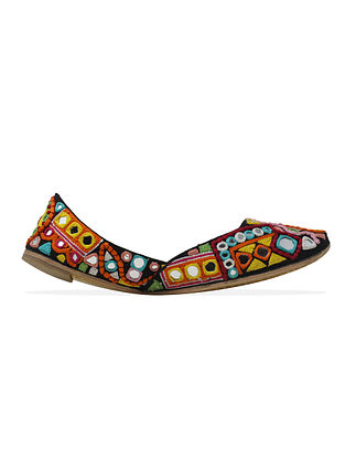 Multicolored Handcrafted Faux Leather Juttis