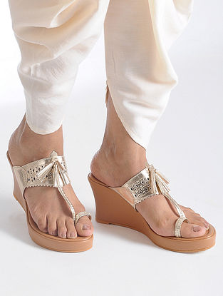 Champagne-Beige Handcrafted Kolhapuri Sandals